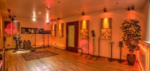 Solidground Liveroom mit Absorbern